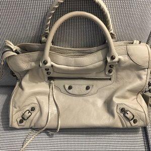 Gorgeous 💯Authentic Balenciaga Handbag